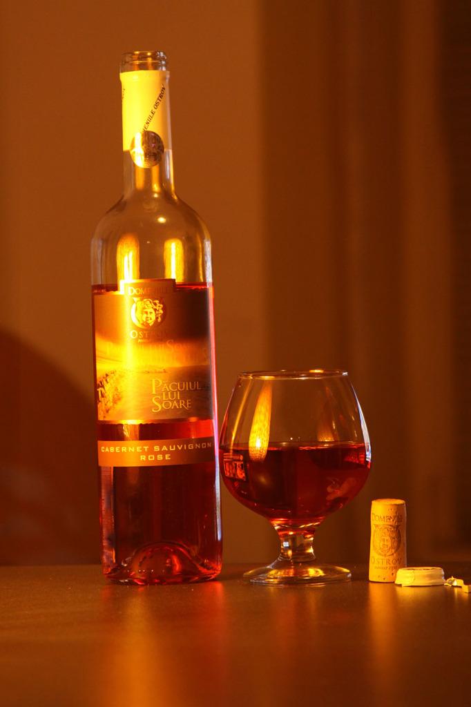 Rose-Cabernet-Sauvignon-Domeniile0Ostrov