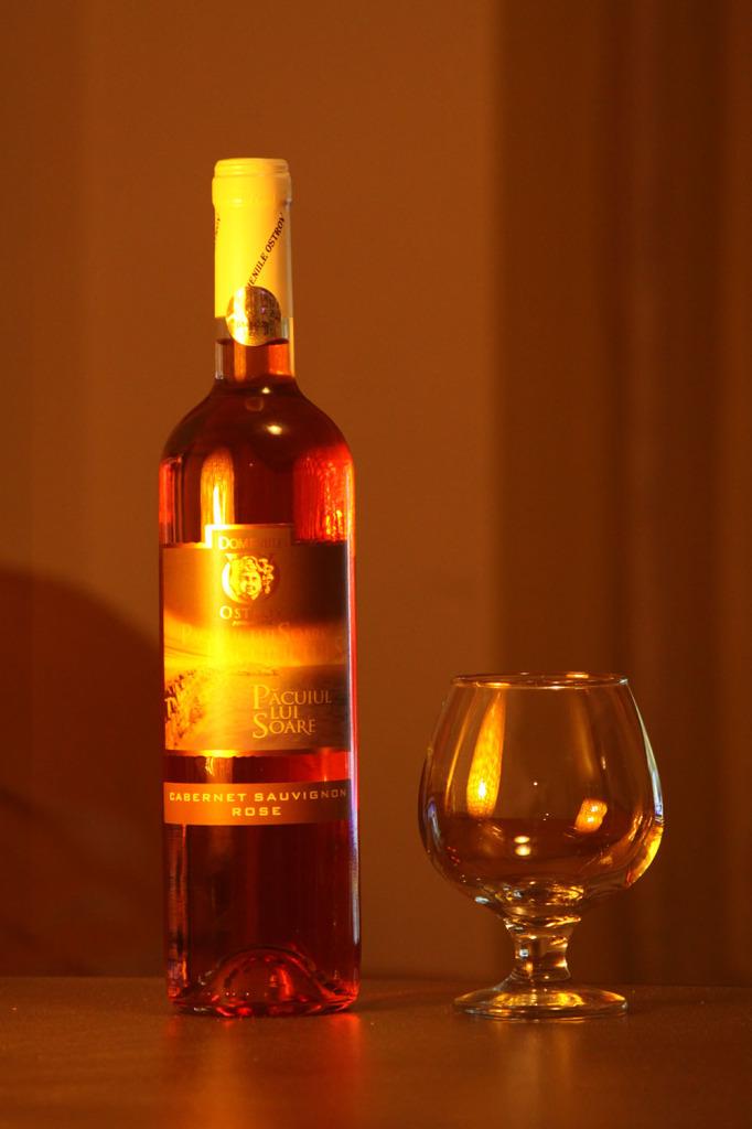 Vin-Rose-Pacuiul-lui-Soare