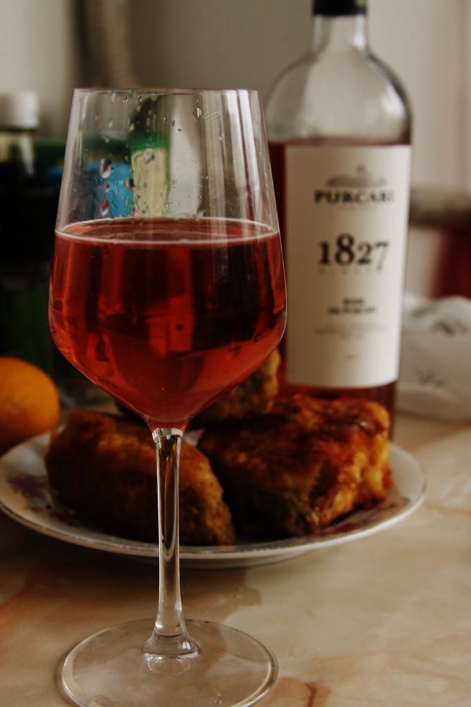 vin-roze-ourcari-cu-somn-pane